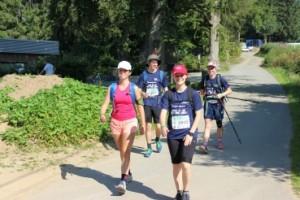 IMG_3232 - nach der ersten Station in Ovifat bei 19 km - v.l.n.r. Celine Hellriegel, Paul Kroll, Samantha Hart, Lisa Küster